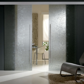 Trova rinnova interior designer marcello gennari for Porte scorrevoli in vetro napoli